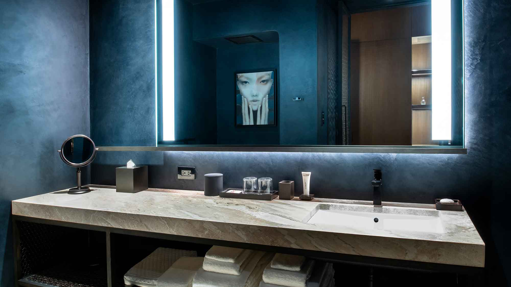 Nobu Chicago Suite Bathroom